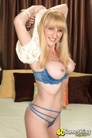 Kay Kummingz - Solo MILF photos
