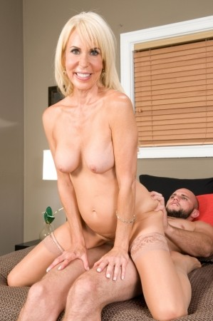 Erica Lauren - XXX Granny photos