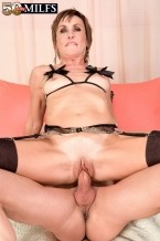 Lillian Tesh - XXX MILF photos