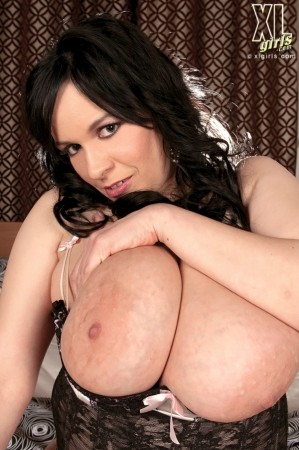 Laurella - Solo Big Tits photos