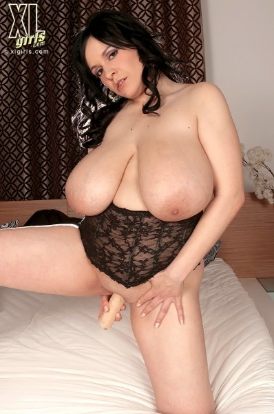 Laurella - Solo BBW photos