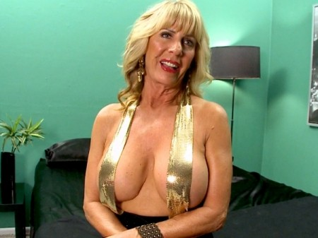 Phoenix Skye - Interview Granny video