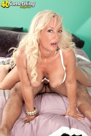 Barbi Banks - XXX MILF photos