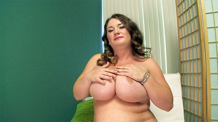Nikki Smith - Solo Big Tits video