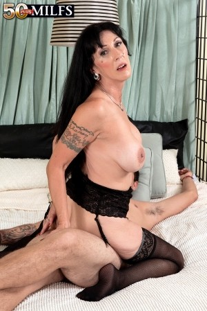 Moreen Helm - XXX MILF photos