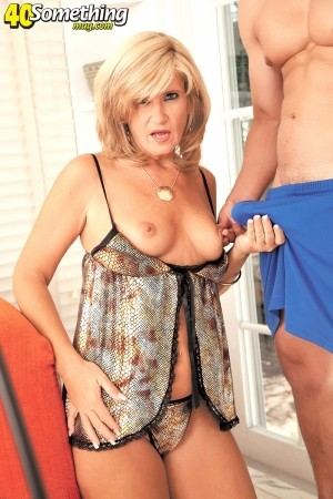 Crystal Jewels - XXX MILF photos