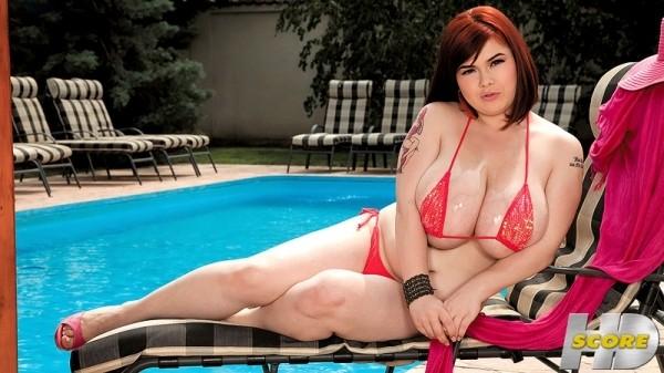 Roxanne Miller Sexy In Pink