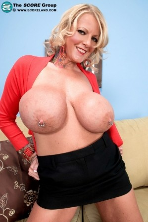 Sabrina Linn - Solo Big Tits photos