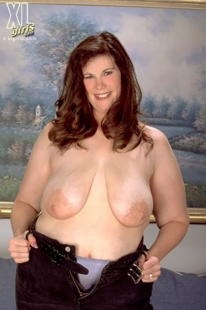 Robin - Solo BBW photos