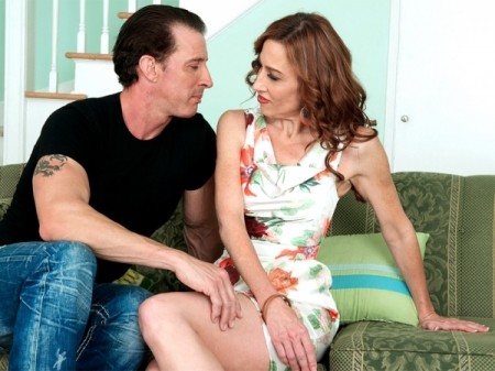 Betty Blaze - XXX MILF video