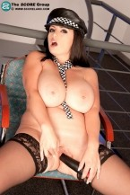 Arianna Sinn - Solo Big Tits photos