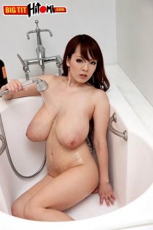 Hitomi - Solo Big Tits photos thumb