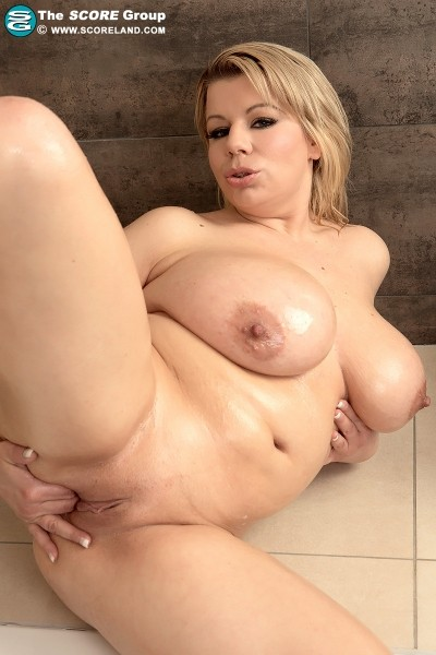 Veronika - Solo Big Tits photos
