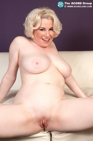 Goldie Ray - Solo Big Tits photos