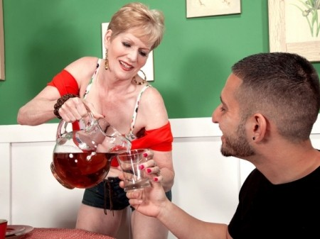 Sindee Dix - XXX MILF video