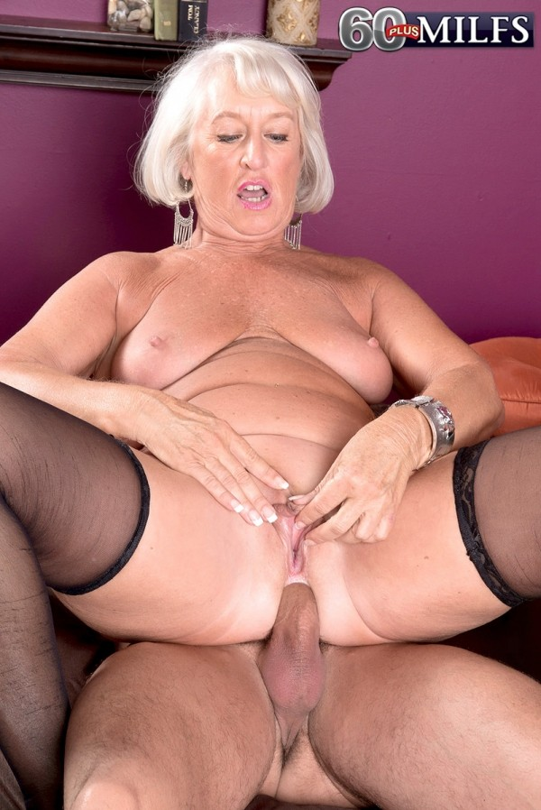 Jeannie Lou - XXX Granny photos