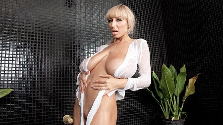 Venera - Solo Big Tits video