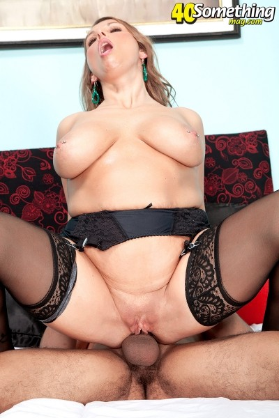 Stacie Starr - XXX MILF photos