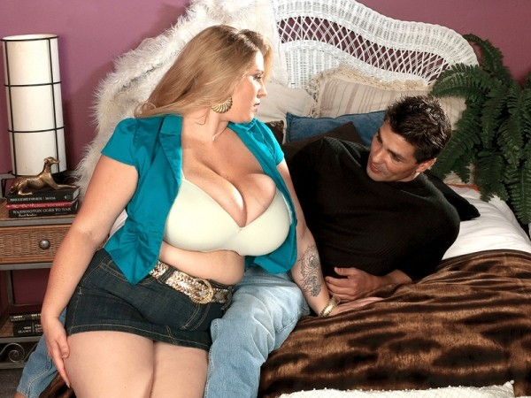 Girl-next-door with giant, natural tits sucks and fucks