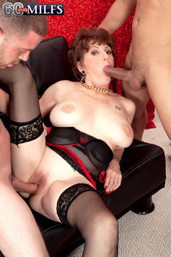 18 birthday milf xxx chop shop owner gets 4