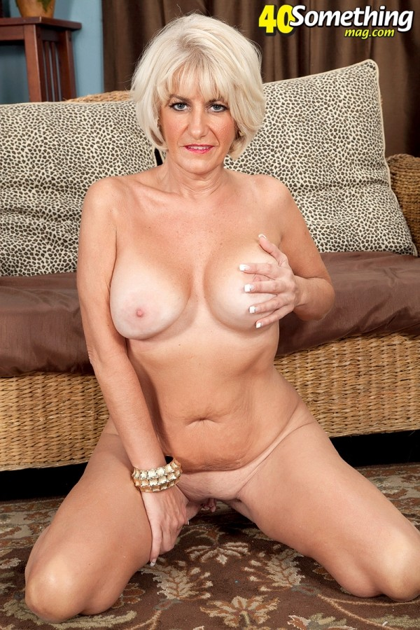 Desire Collins - Solo MILF photos