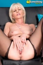 Eve Bannon - Solo MILF photos