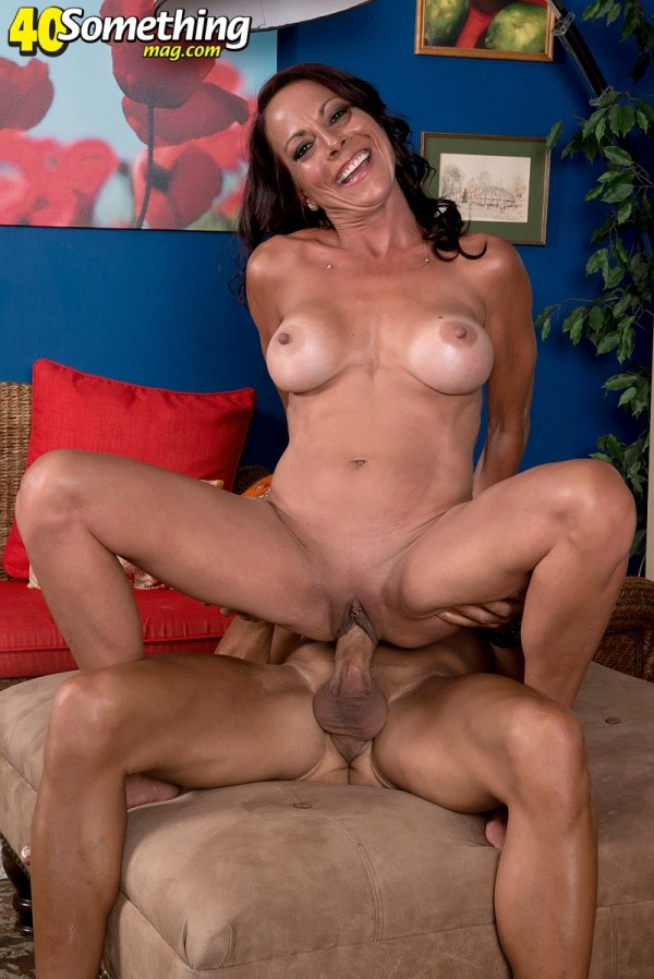 Big Pike - XXX MILF photos