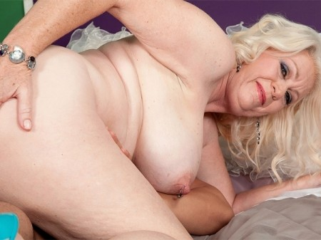 Angelique DuBois - XXX Granny video