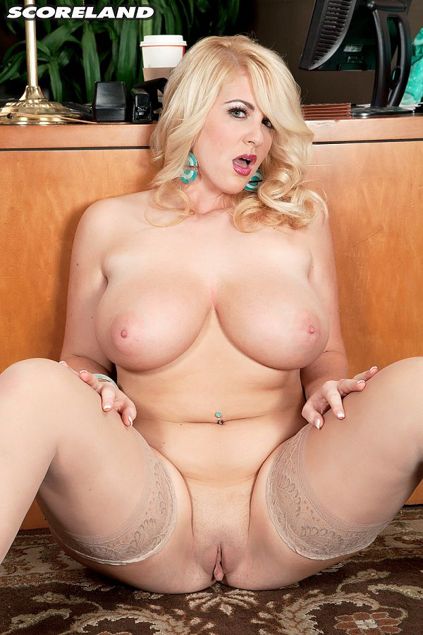 Rockell - Solo Big Tits photos