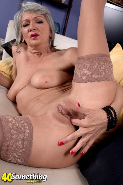 Cheyanne - Solo MILF photos
