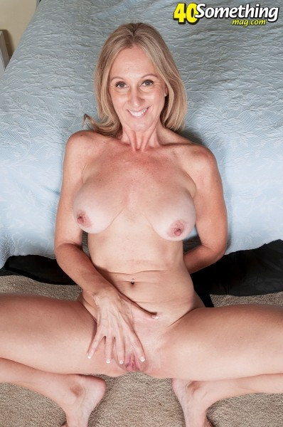 Jenna Covelli - Solo MILF photos