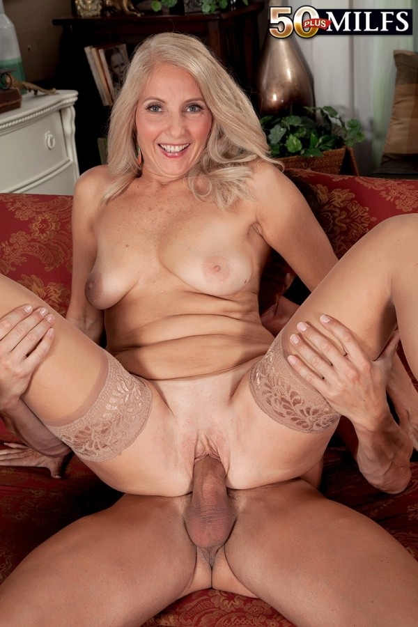Chery Leigh - XXX MILF photos