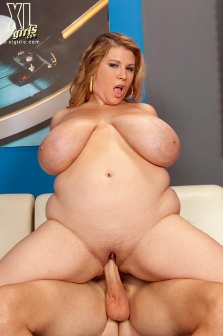 XL Girls - BBW Model Profile - Renee Ross (6152)