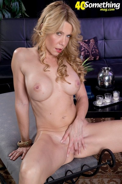Desiree Dalton - Solo MILF photos