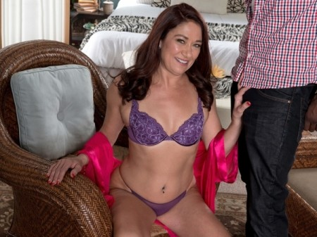 Renee Black - XXX MILF video