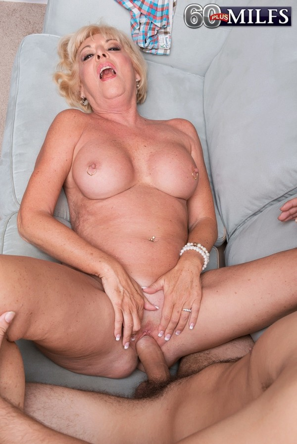 Tracy austin and christy canyon fuck a lucky guy 9
