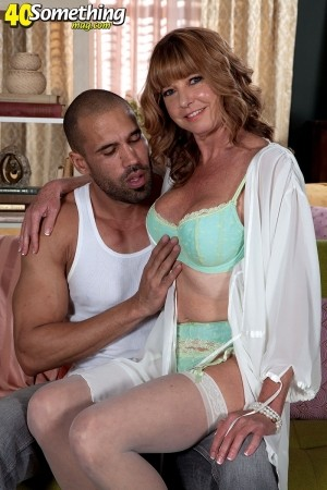 Dee Delmar - XXX MILF photos