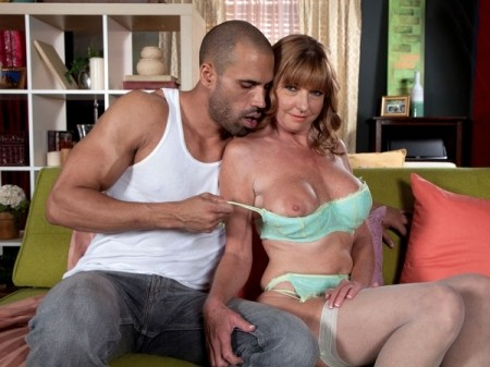 Dee Delmar - XXX MILF video