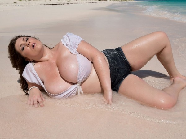 Jennica Lynn Beauty & The Beach