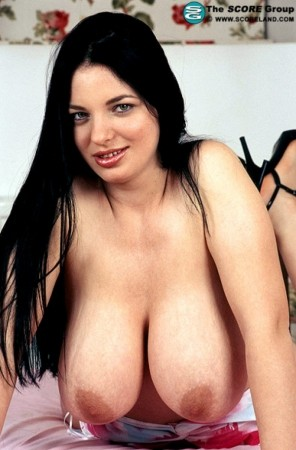 Joana May 2005 Voluptuous