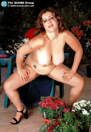 Shandra - Solo Big Tits photos