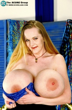 Keisha Evans -  Big Tits photos