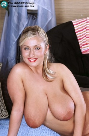 Kellie Garnett -  Big Tits photos