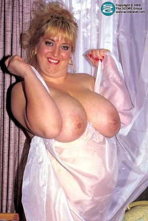Susan - Solo Big Tits photos