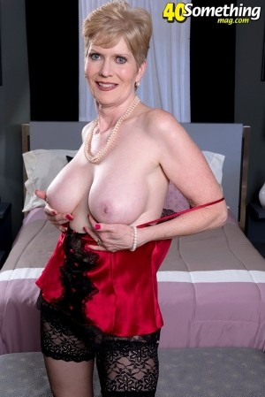 Sindee Dix - Solo MILF photos