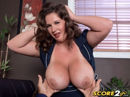 Nikki Smith - XXX Big Tits video