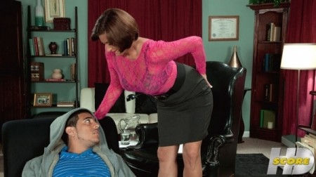 Yasmine Beale - XXX MILF video
