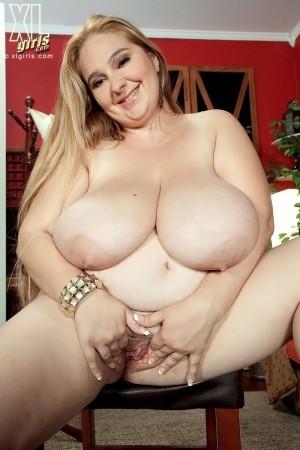 April McKenzie - Solo Big Tits photos thumb