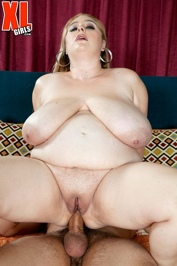 April McKenzie - XXX BBW photos