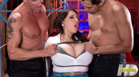 Elle Flynn - XXX Big Tits video